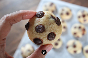 Soft, Chewy and Loaded with Chocolate Chips Chookies' Baked Goodies (1)