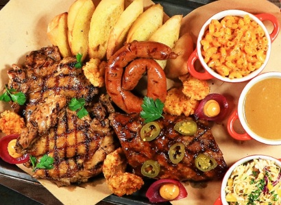 Liven Up Feb. 3 with This 50% Off Offer Via GrabFood at TGI Fridays, Watami and Red Lobster (2)