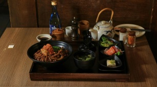 Liven Up Feb. 3 with This 50% Off Offer Via GrabFood at TGI Fridays, Watami and Red Lobster (7)